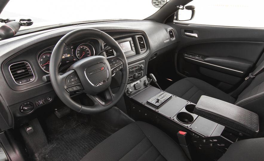 2015 Dodge Charger Pursuit AWD - Slide 16