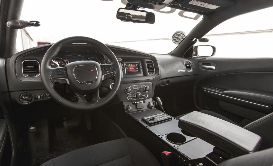 2015 Dodge Charger Pursuit AWD - Slide 17