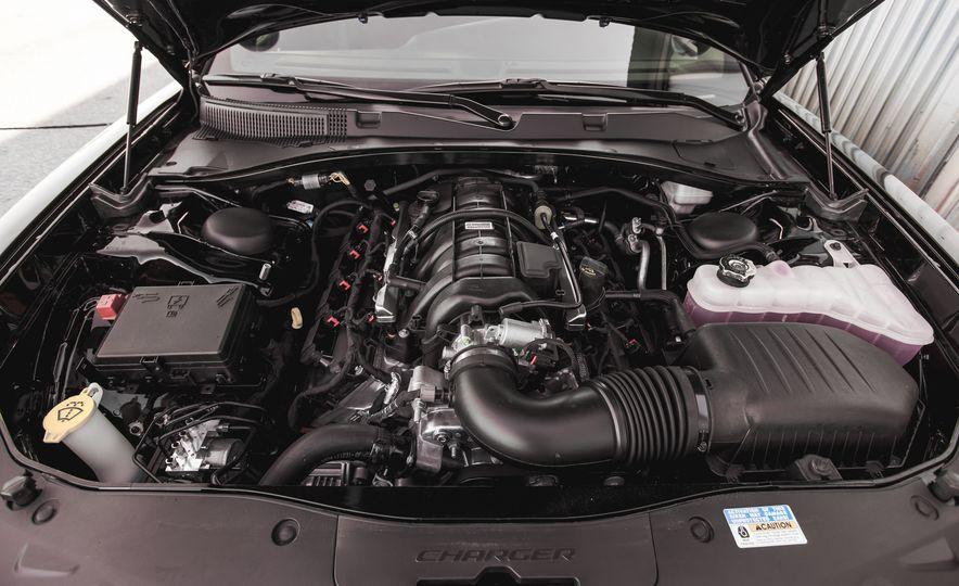 2015 Dodge Charger Pursuit AWD - Slide 22