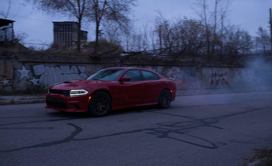 2015 Dodge Charger SRT Hellcat - Slide 4