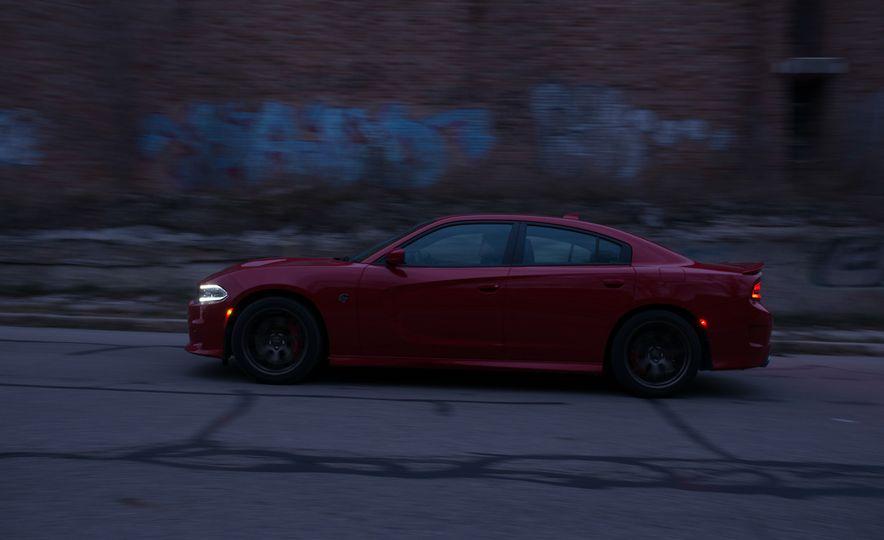 2015 Dodge Charger SRT Hellcat - Slide 5