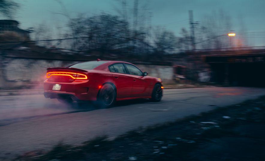 2015 Dodge Charger SRT Hellcat - Slide 8