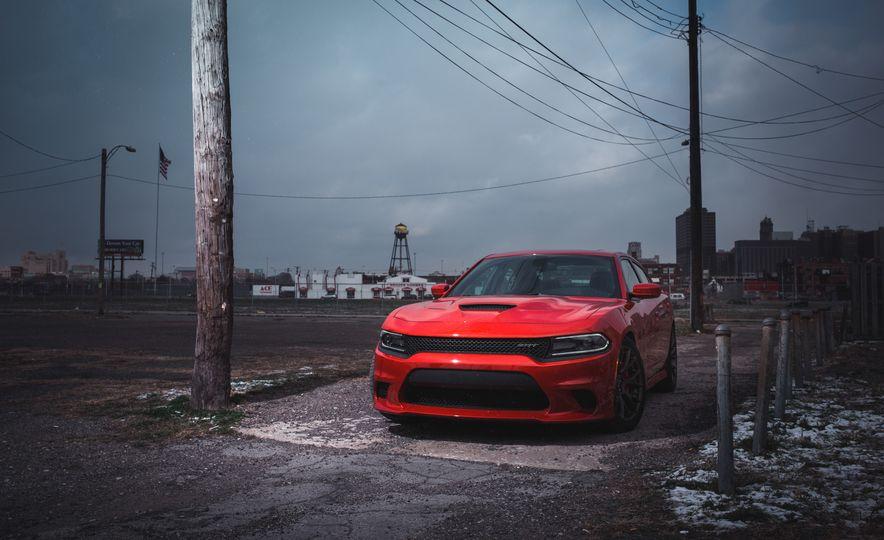 2015 Dodge Charger SRT Hellcat - Slide 10
