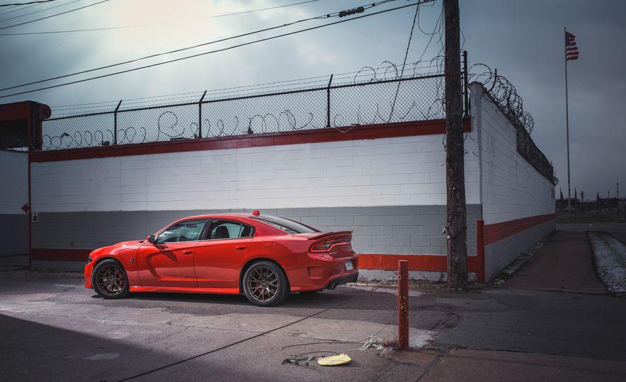 2015 Dodge Charger SRT Hellcat - Slide 16