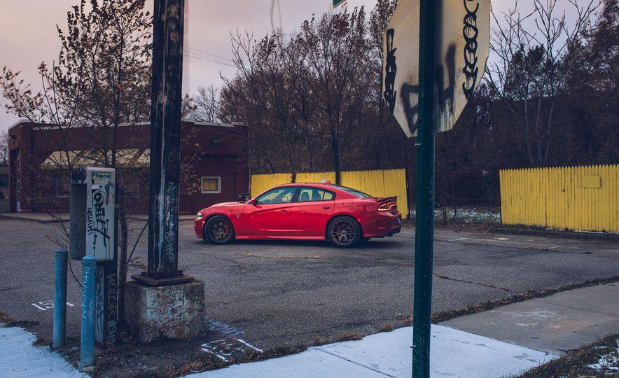 2015 Dodge Charger SRT Hellcat - Slide 17