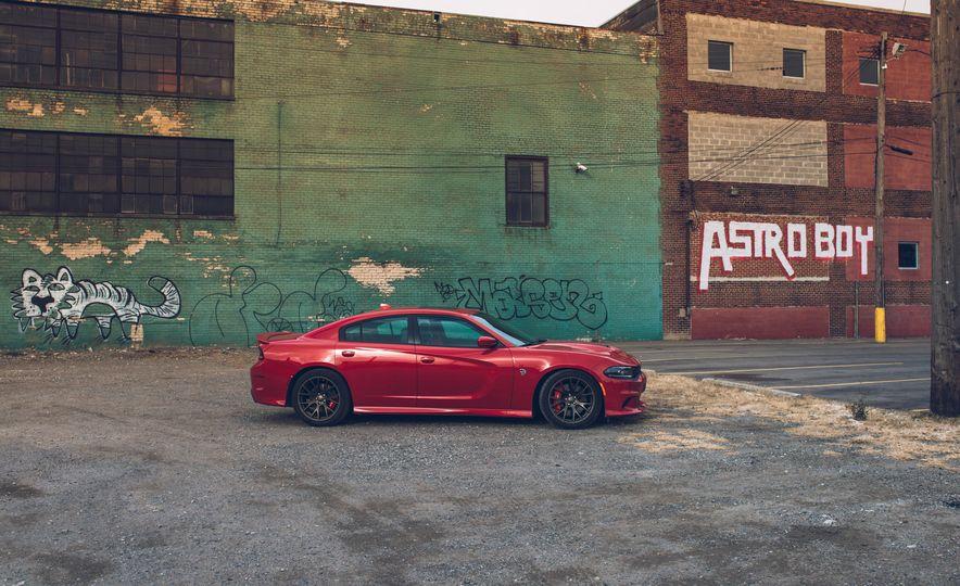 2015 Dodge Charger SRT Hellcat - Slide 19