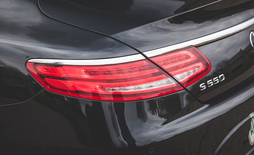 2015 Mercedes-Benz S550 4MATIC coupe - Slide 19