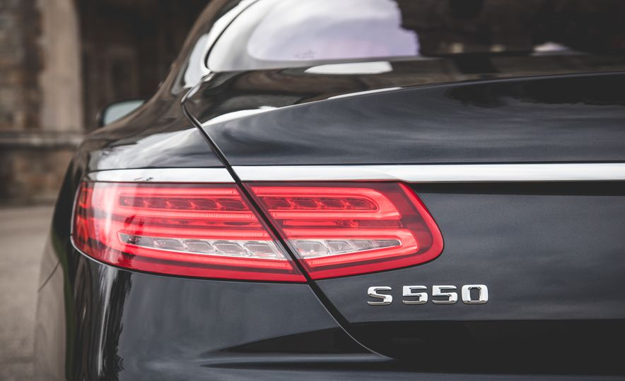 2015 Mercedes-Benz S550 4MATIC coupe - Slide 20