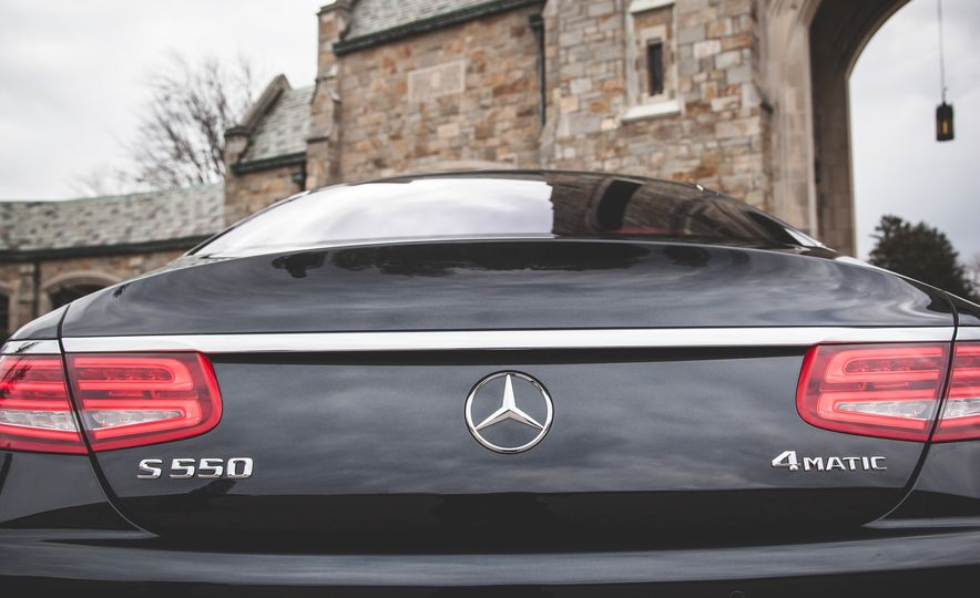 2015 Mercedes-Benz S550 4MATIC coupe - Slide 22