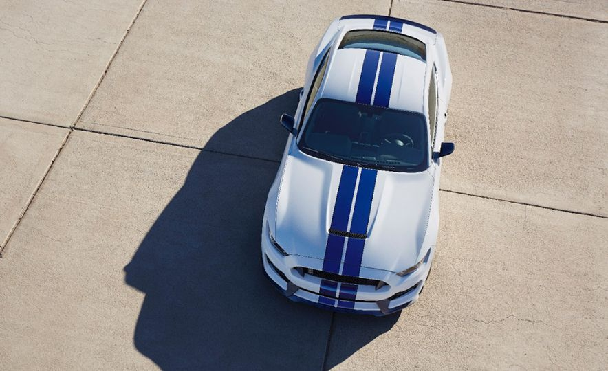 2016 Ford Mustang GT350 - Slide 24