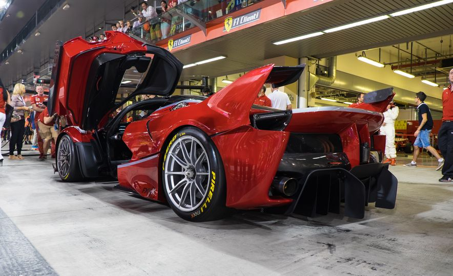 11 Things You Have to Know About Ferrari's Insaniac FXX K Hypercar - Slide 12