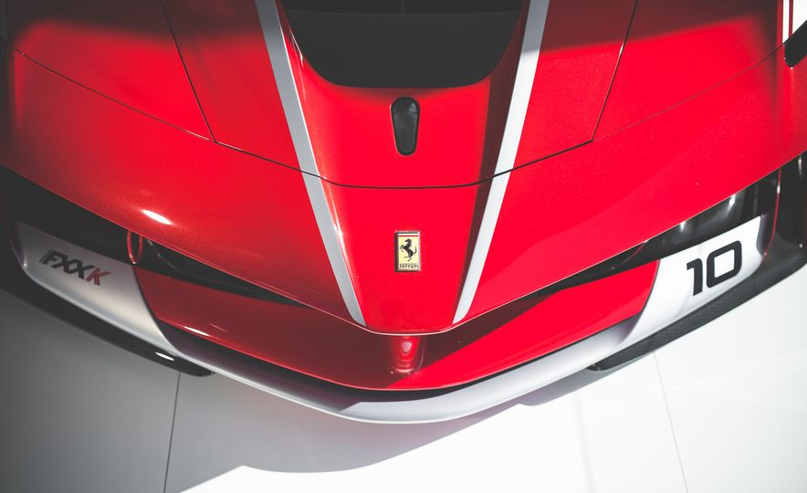 11 Things You Have to Know About Ferrari's Insaniac FXX K Hypercar - Slide 9