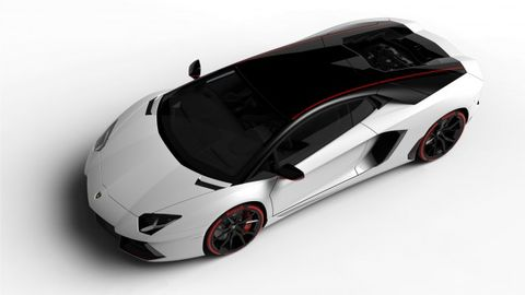 Lamborghini Celebrates Pirelli With Special-Edition Aventador