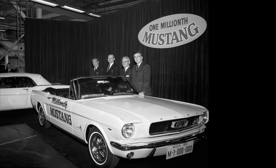 Baby Book: 13 Developmental Milestones of the Ford Mustang's Formative Years - Slide 12