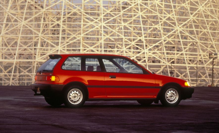 Civic Pride: A Visual History of the Honda Civic - Slide 13