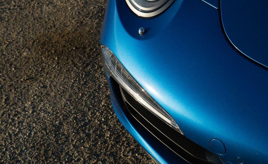 2014 Porsche 911 Targa 4S - Slide 37