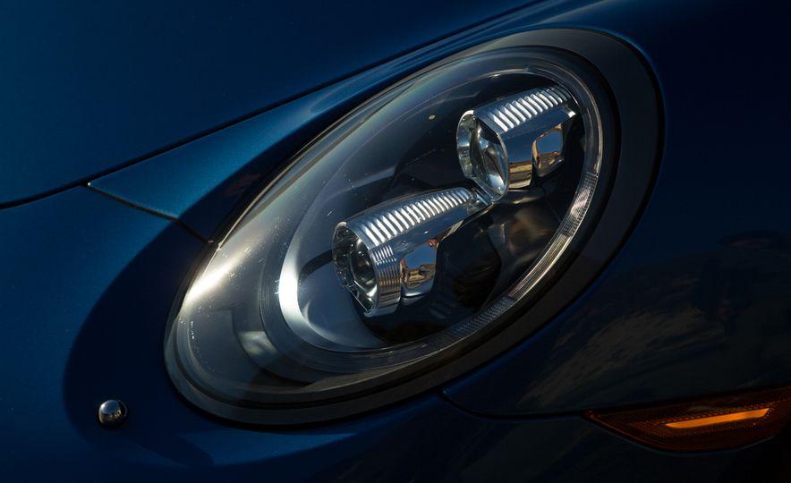 2014 Porsche 911 Targa 4S - Slide 41