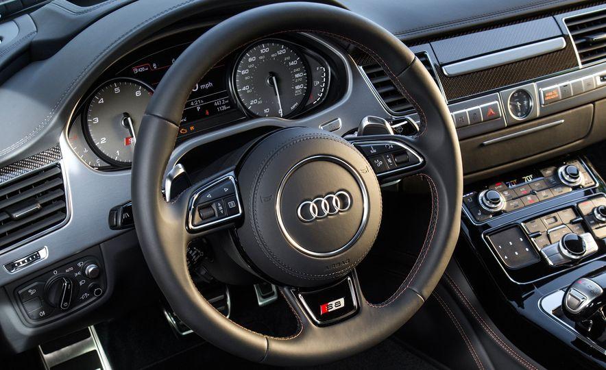 2015 Audi S8 - Slide 8