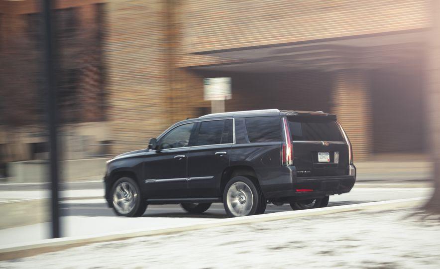 2015 Cadillac Escalade Premium - Slide 6