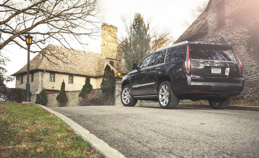 2015 Cadillac Escalade Premium - Slide 9