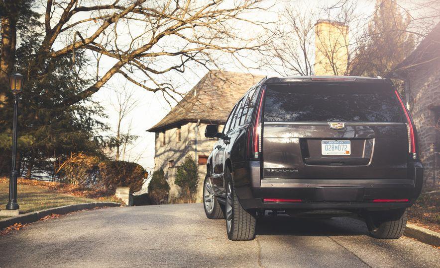 2015 Cadillac Escalade Premium - Slide 11