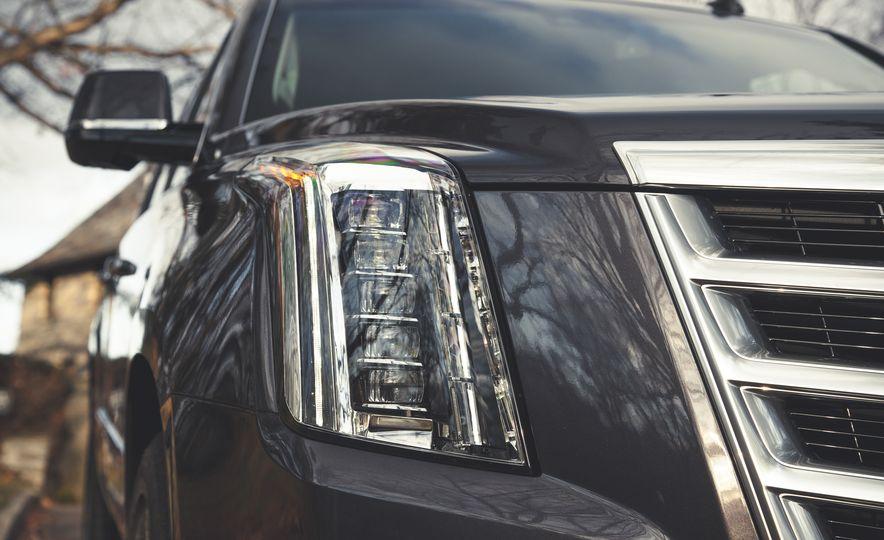 2015 Cadillac Escalade Premium - Slide 12