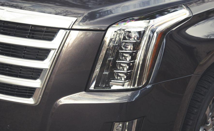 2015 Cadillac Escalade Premium - Slide 13