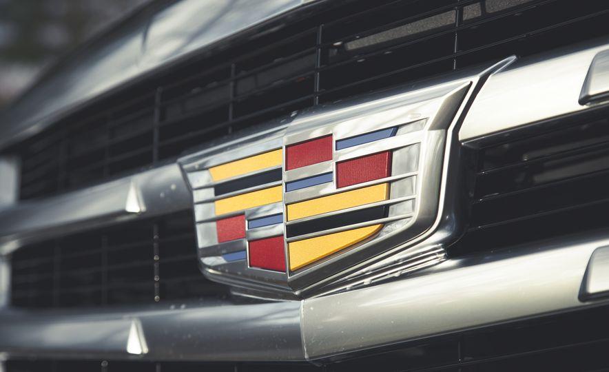 2015 Cadillac Escalade Premium - Slide 15