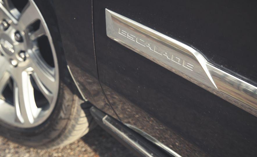 2015 Cadillac Escalade Premium - Slide 16