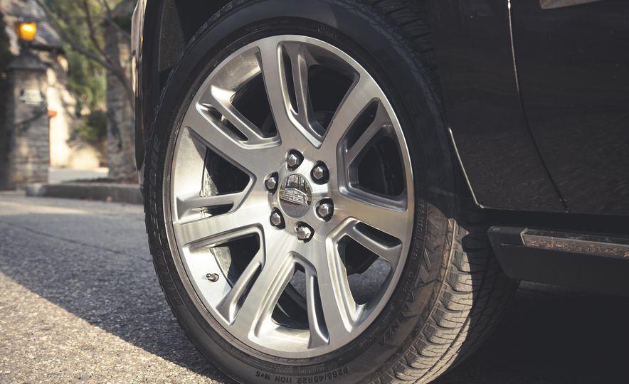 2015 Cadillac Escalade Premium - Slide 17