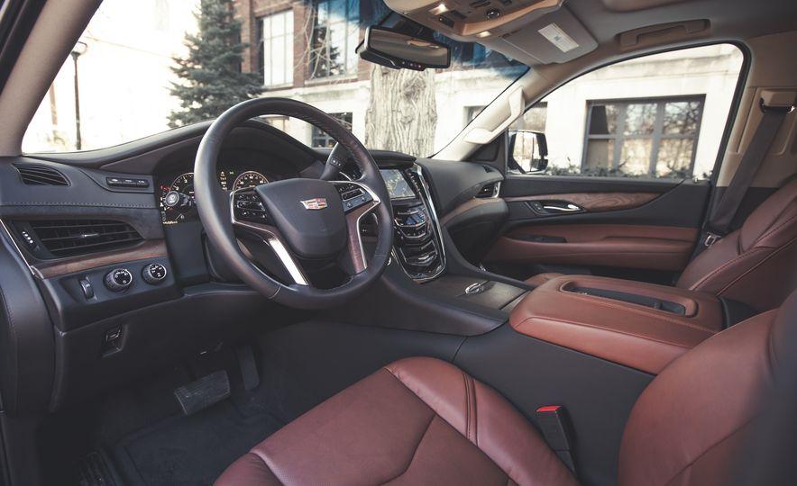 2015 Cadillac Escalade Premium - Slide 21