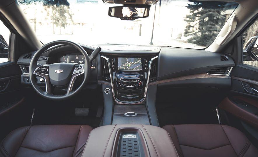 2015 Cadillac Escalade Premium - Slide 23