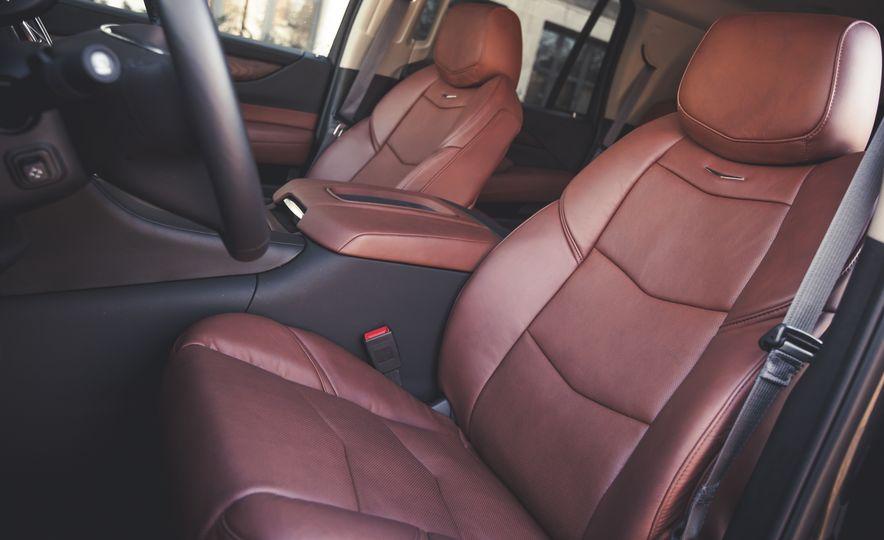 2015 Cadillac Escalade Premium - Slide 24