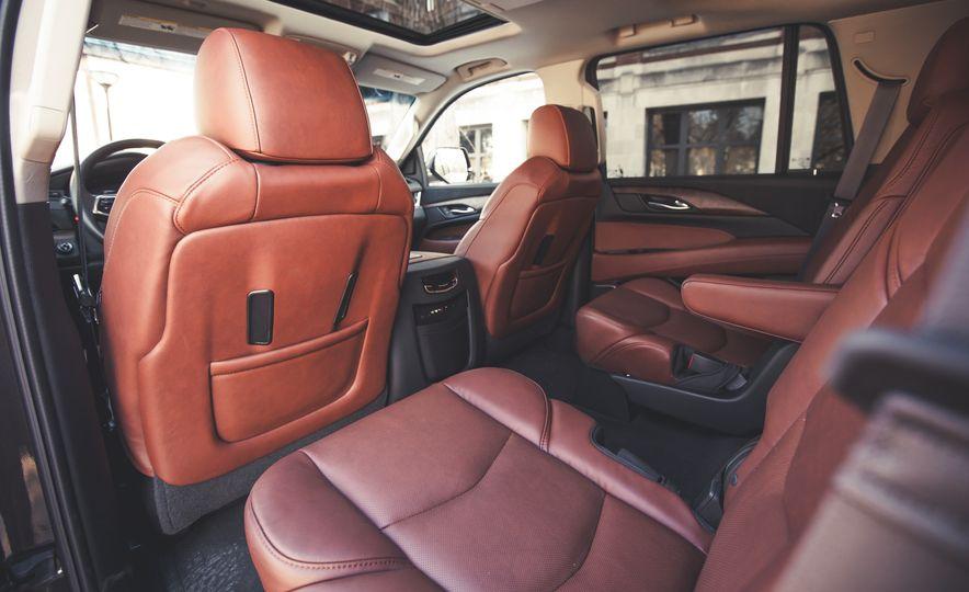 2015 Cadillac Escalade Premium - Slide 25