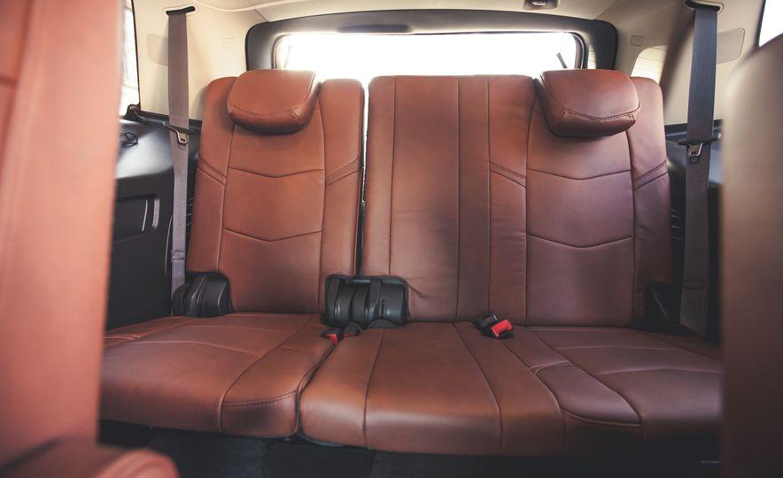 2015 Cadillac Escalade Premium - Slide 28