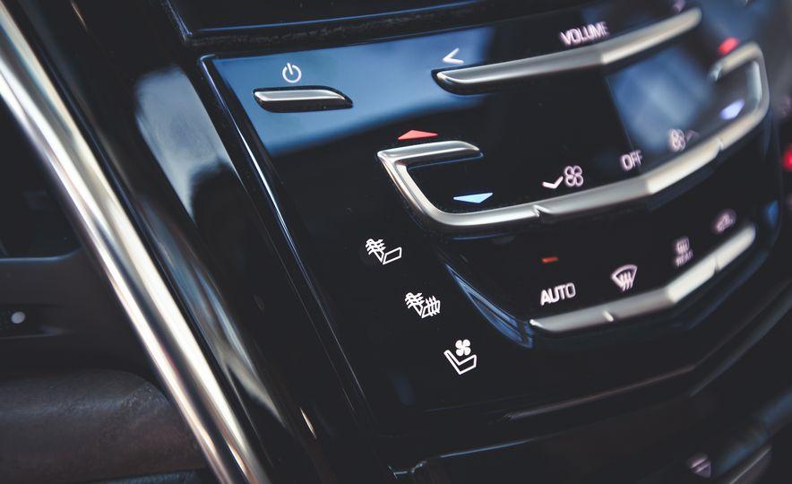 2015 Cadillac Escalade Premium - Slide 33