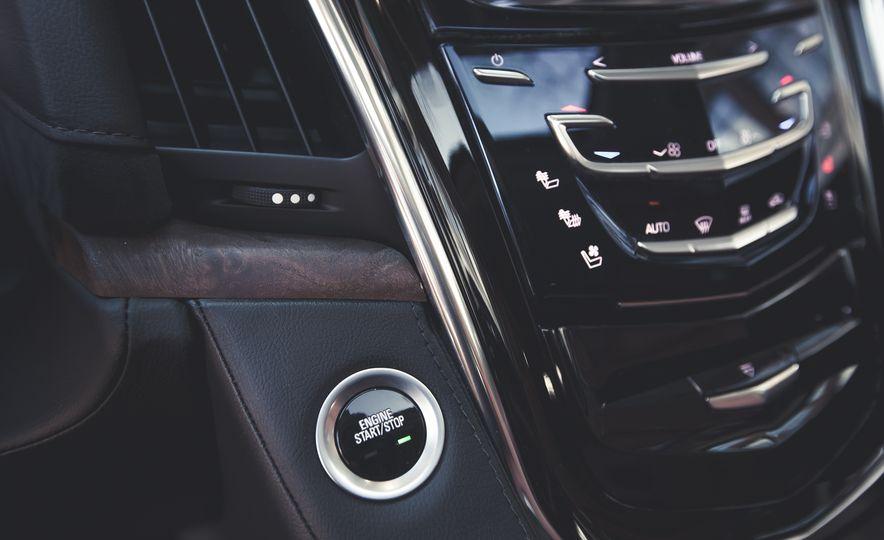 2015 Cadillac Escalade Premium - Slide 34