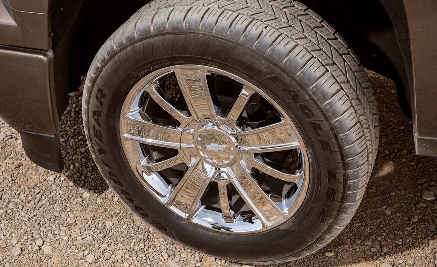 2015 Chevrolet Silverado 1500 LTZ Z71 Custom Sport Special Edition - Slide 17