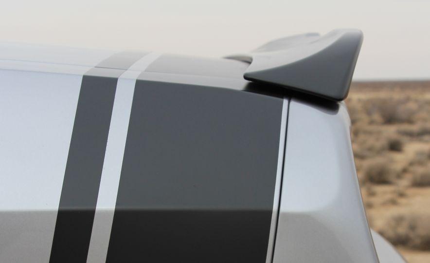 2015 Dodge Challenger R/T Scat Pack - Slide 23