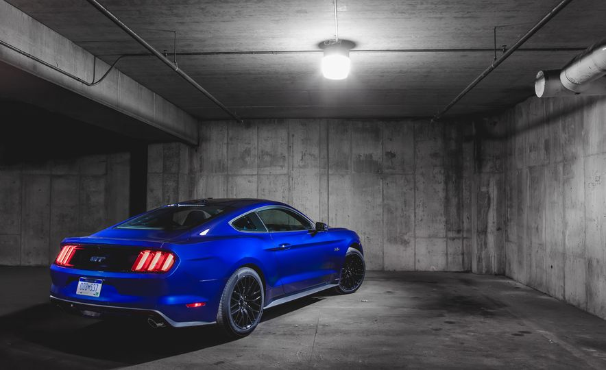 2015 Ford Mustang GT - Slide 8