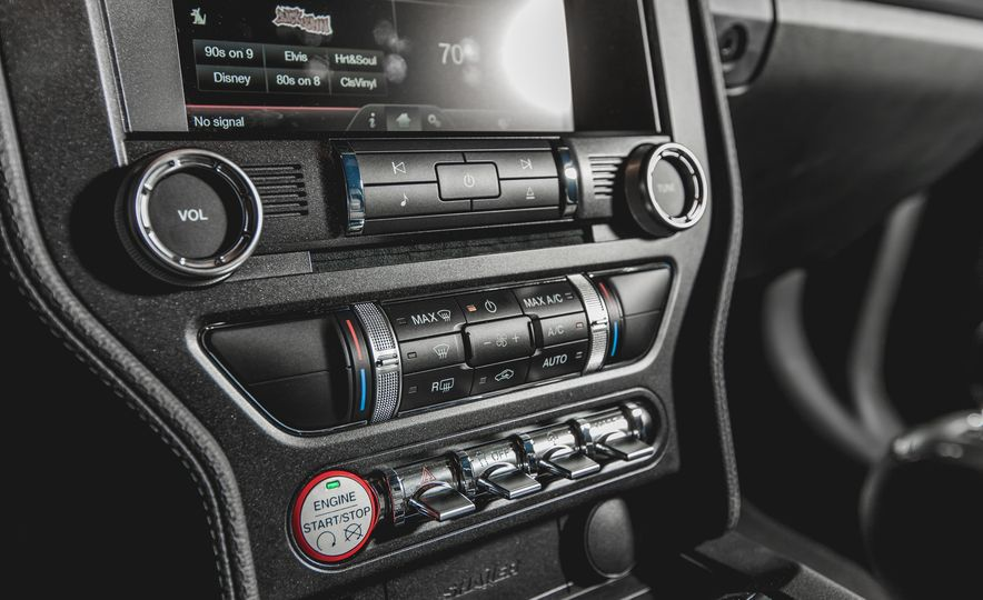 2015 Ford Mustang GT - Slide 18