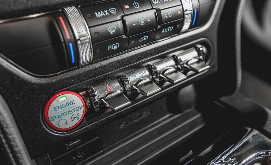 2015 Ford Mustang GT - Slide 19