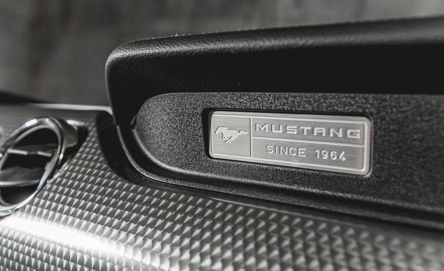 2015 Ford Mustang GT - Slide 22