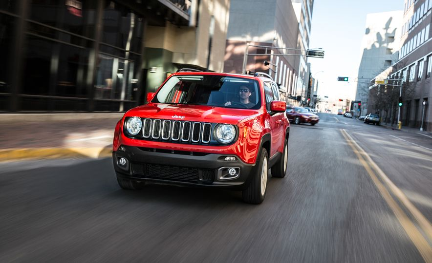 2015 Jeep Renegade Trailhawk and Latitude Models - Slide 8