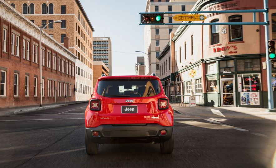 2015 Jeep Renegade Trailhawk and Latitude Models - Slide 11