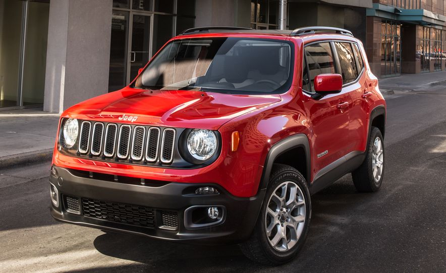 2015 Jeep Renegade Trailhawk and Latitude Models - Slide 14
