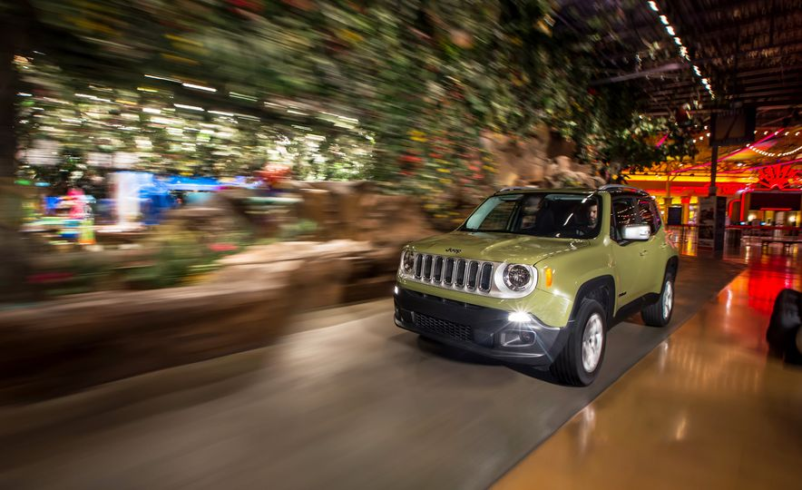 2015 Jeep Renegade Limited 4x4 - Slide 1