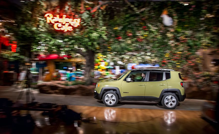 2015 Jeep Renegade Limited 4x4 - Slide 2