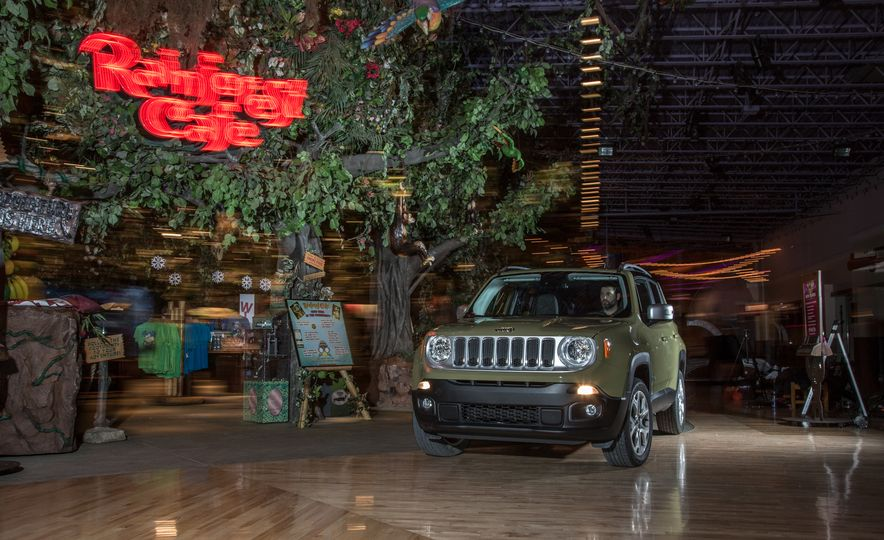 2015 Jeep Renegade Limited 4x4 - Slide 3