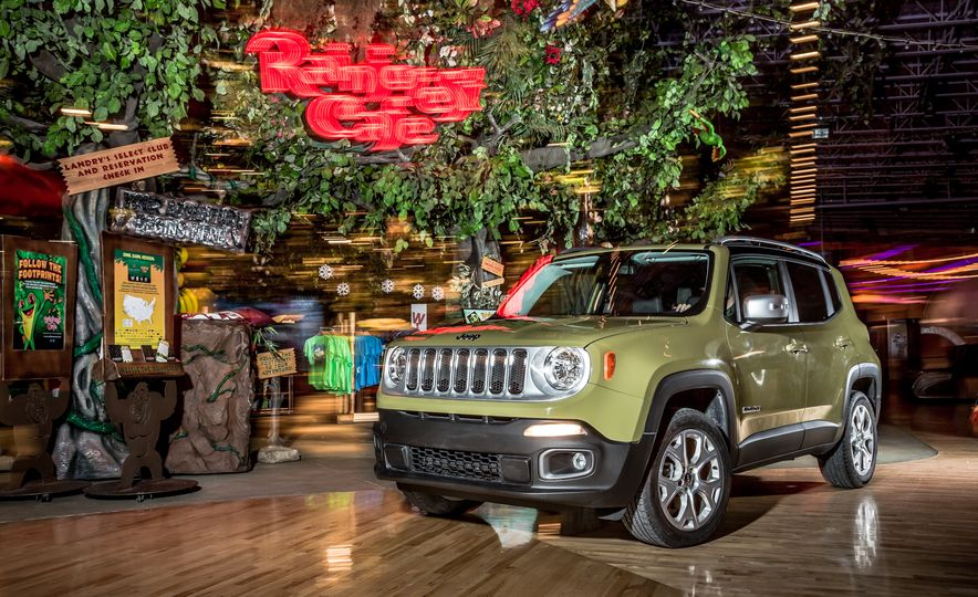 2015 Jeep Renegade Limited 4x4 - Slide 4